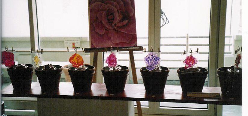 2004 Ausstellung 'Roses and Yonis' im Titusforum Frankfurt am Main